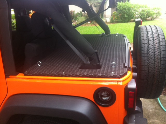 My Diy Lockable Trunk Cargo Cover Jk Forum Com The Top